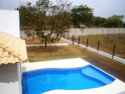 Casa em condomínio de 390,00m²,  à venda