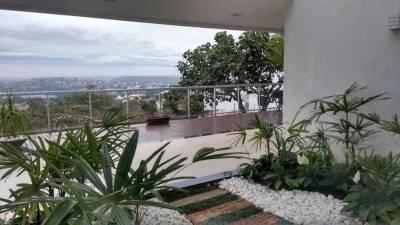 Casa em condomínio de 516,00m²,  à venda