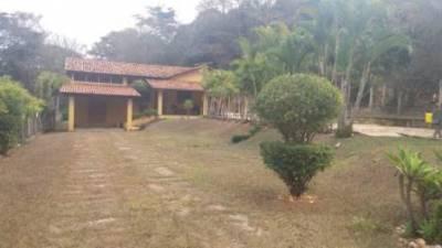 Casa em condomínio de 303,87m²,  à venda