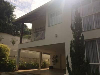 Casa em condomínio de 440,00m²,  à venda