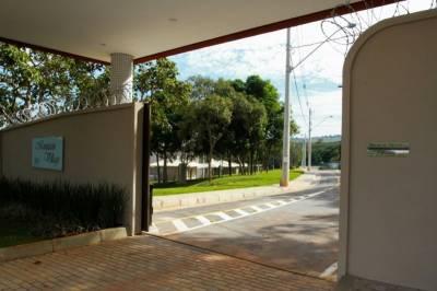 Casa em condomínio de 214,27m²,  à venda