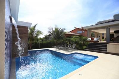 Casa em condomínio de 385,21m²,  à venda