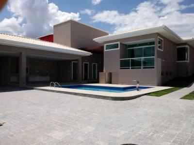 Casa em condomínio de 302,00m²,  à venda