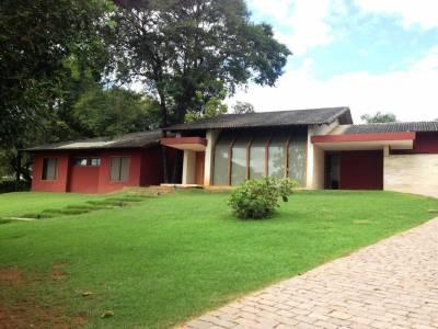Casa em condomínio de 654,00m²,  para alugar
