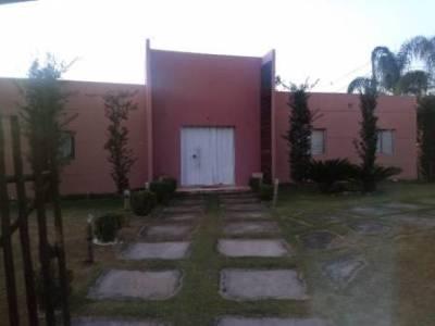 Casa em condomínio de 250,00m²,  à venda