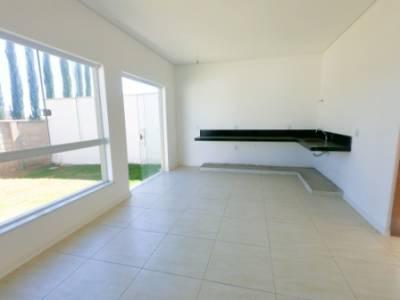 Casa em condomínio de 189,33m²,  à venda