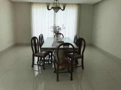 Casa em condomínio de 1.100,00m²,  à venda