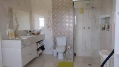 Casa em condomínio de 366,63m²,  à venda