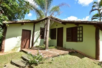Casa em condomínio de 666,00m²,  à venda