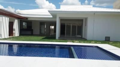 Casa em condomínio de 316,00m²,  à venda