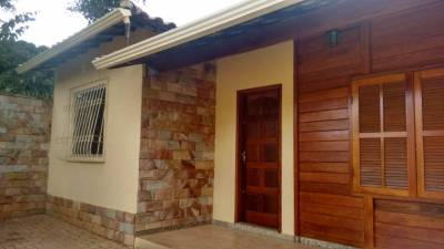 Casa de 136,00m²,  à venda