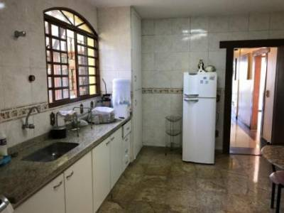 Casa de 451,00m²,  para alugar