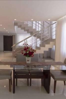 Casa em condomínio de 267,00m²,  à venda