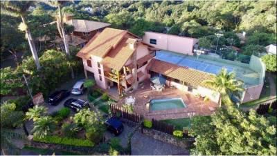 Casa em condomínio de 1.700,00m²,  à venda