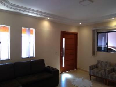 Casa de 275,00m²,  à venda