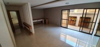 Área privativa de 223,00m²,  à venda