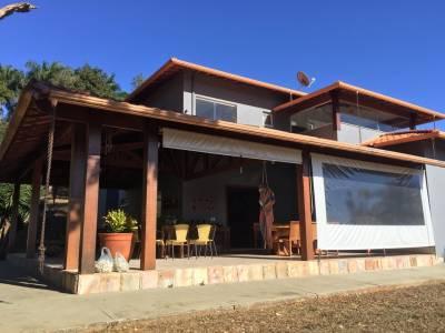 Casa em condomínio de 404,00m²,  à venda
