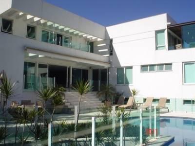 Casa em condomínio de 620m², à venda