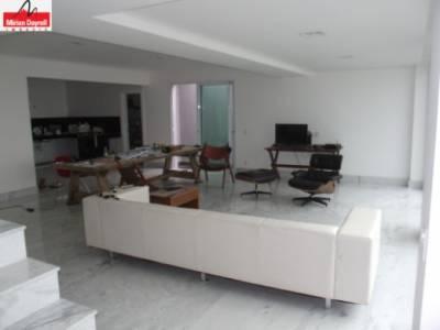 Casa de 263,00m²,  à venda