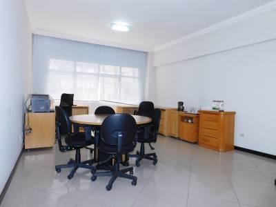 Sala de 30,00m²,  à venda