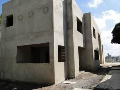 Casa de 492,00m²,  à venda