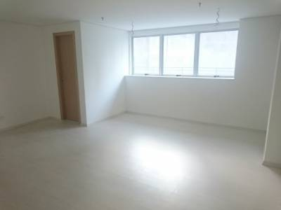 Sala de 31,00m²,  à venda