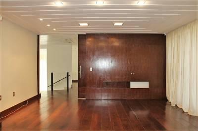 Casa de 425,00m²,  para alugar