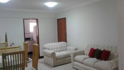 Área privativa de 90,00m²,  à venda
