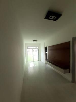 Apartamento de 81,99m²,  à venda