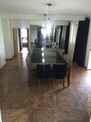 Casa de 475,00m²,  à venda