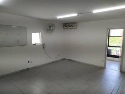 Sala de 68,00m²,  para alugar