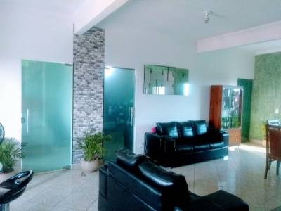 Casa de 240,00m²,  para alugar