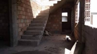 Casa geminada à venda