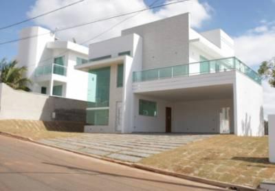 Casa em condomínio de 451,00m²,  à venda