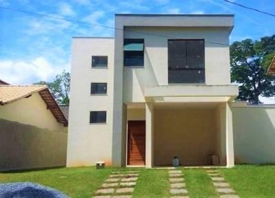 Casa em condomínio de 180,00m²,  à venda