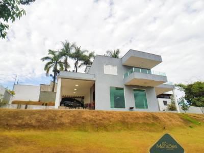 Casa em condomínio de 326,68m²,  à venda