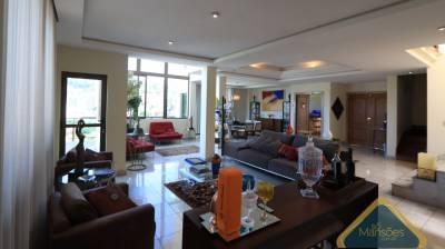 Casa de 531,79m²,  à venda