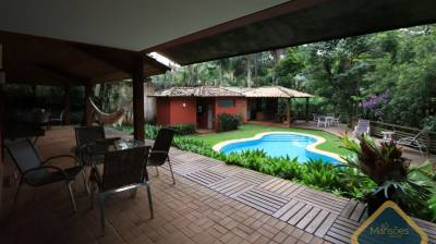 Casa em condomínio de 466,78m²,  à venda