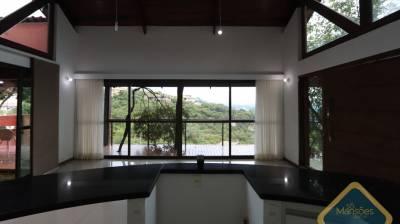 Casa em condomínio de 285,62m²,  à venda