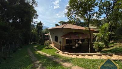 Casa em condomínio de 248,02m²,  à venda
