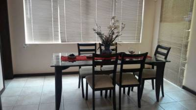 Casa em condomínio de 301,00m²,  à venda