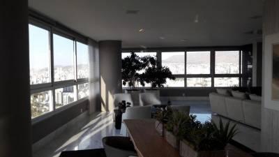 Apartamento de 595,00m²,  à venda