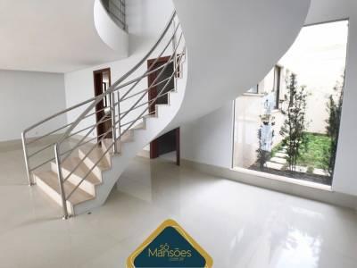 Casa de 585,00m²,  à venda