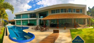Casa em condomínio de 2.200,00m²,  à venda