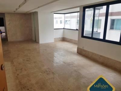 Apartamento de 136,00m²,  à venda