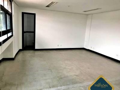 Sala de 250,00m²,  à venda