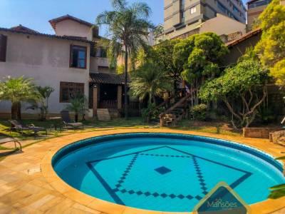 Casa de 486,98m²,  à venda