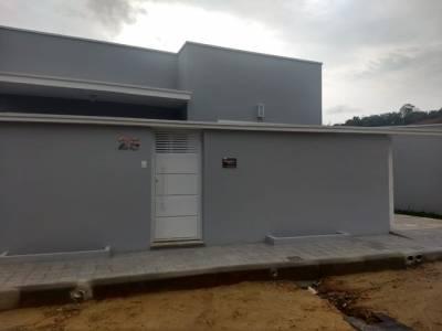 Casa de 108,00m²,  à venda