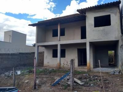 Casa de 239,00m²,  à venda