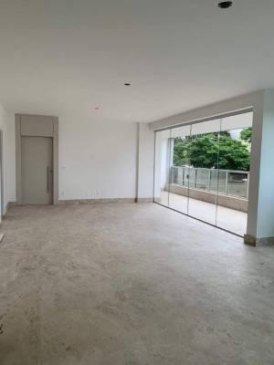 Apartamento de 217,16m²,  à venda